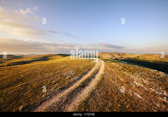 Dark Country Road Stock Photos & Dark Country Road Stock ...