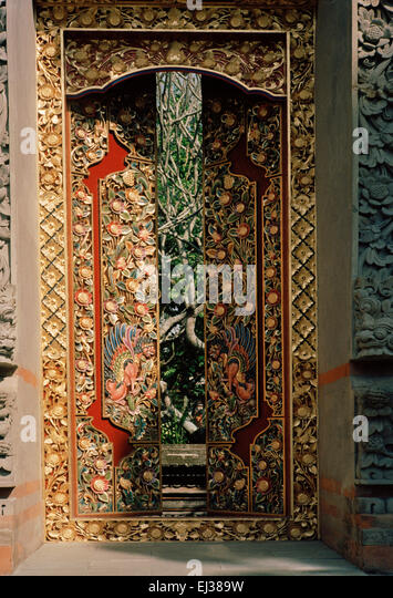 Hindu temple doors in Ubud in Bali in Indonesia in southeast Asia. - Stock Image & Wooden Balinese Doors Stock Photos \u0026 Wooden Balinese Doors Stock ... Pezcame.Com