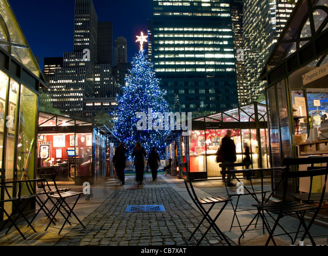 Nyc Christmas Tree Market Stock Photos & Nyc Christmas Tree Market ...