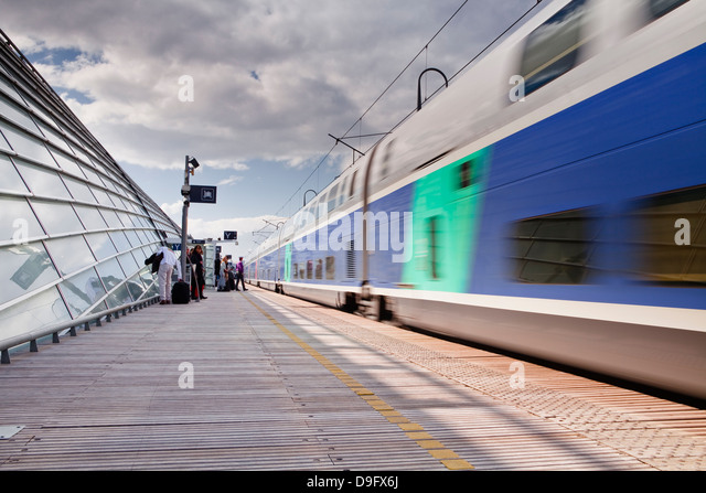 tgv train france stock photos tgv train france stock images alamy. Black Bedroom Furniture Sets. Home Design Ideas