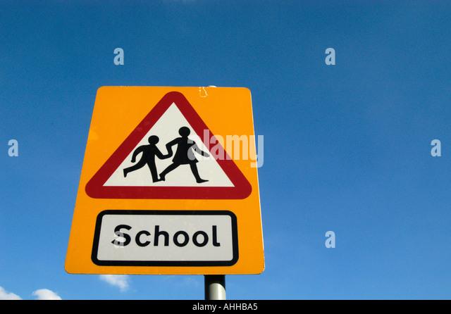 School Crossing Road Stock Photos & School Crossing Road ...