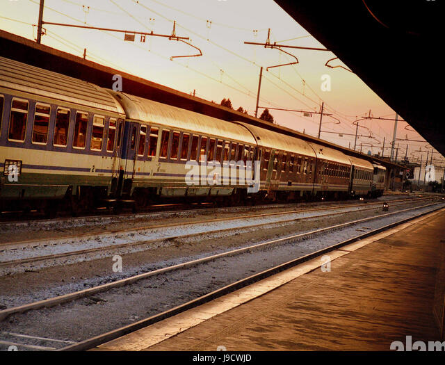 j k railway stations in venice - photo#28