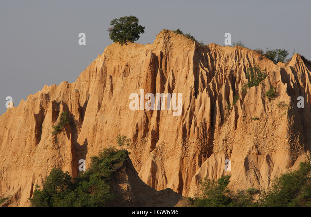 sand pyramids of melnik - photo #11