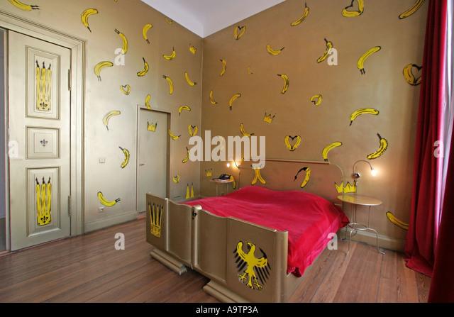 berlin artist hotel luise interieur stock photos & berlin artist ... - Baum Interieur
