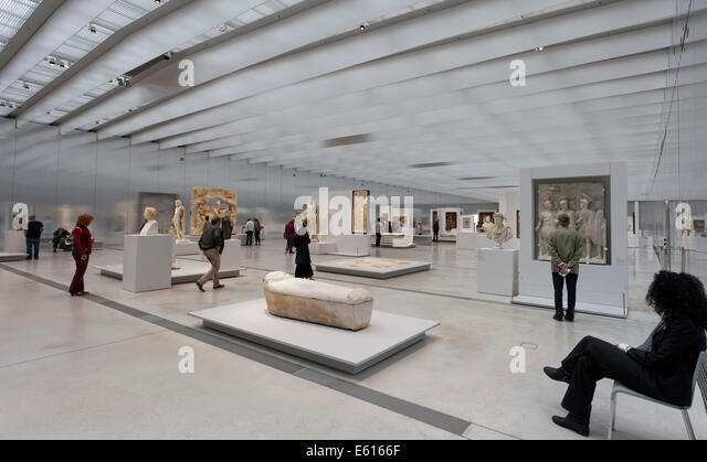 Louvre lens stock photos louvre lens stock images alamy for Louvre lens museo