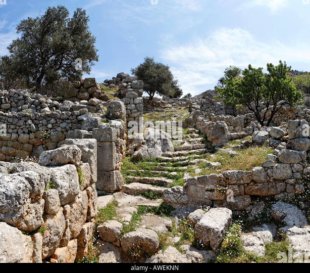 crete personals The minoan civilization was an aegean bronze age civilization on the island of crete and other  instead of dating the minoan  crete is a mountainous island .