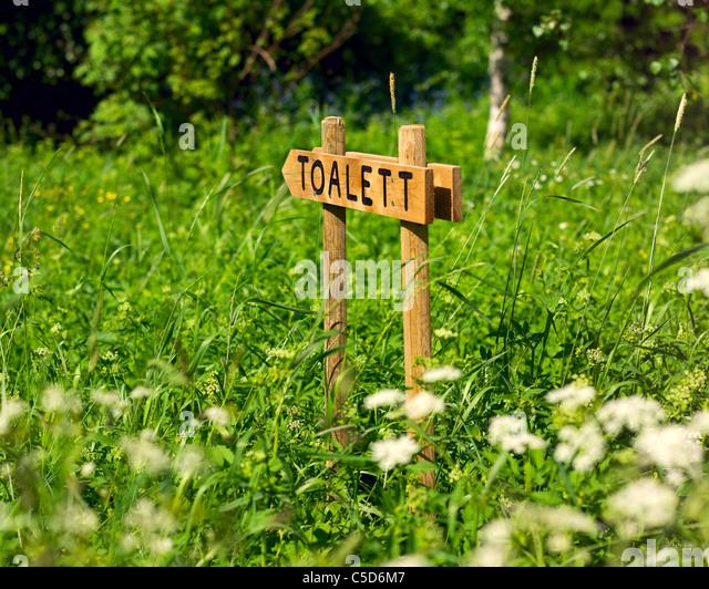 Toilet Sign Arrow Direction Stock Photos & Toilet Sign Arrow ...