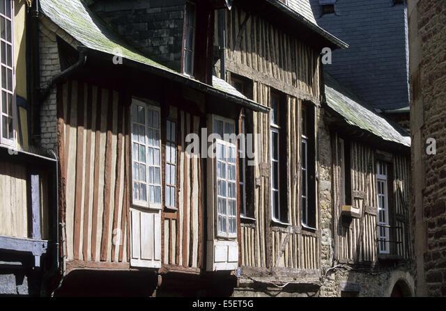 Pans de bois stock photos pans de bois stock images alamy for Constructeur de maison en bois ille et vilaine