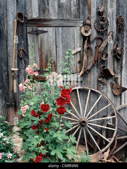 Red Barn Door Clip Art americana wooden barn door stock photos & americana wooden barn