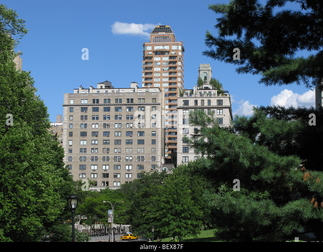 Fifth avenue apartment buildings stock photos fifth for Central park apartments new york
