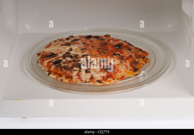 how to cook pizza in microwave oven