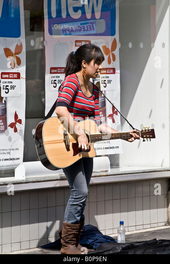 Scottish Woman Singing 41