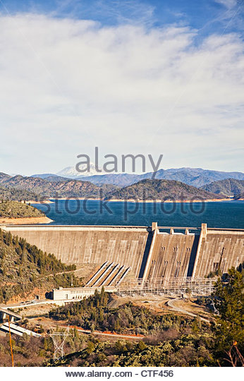 How do you find information on the lake level at Shasta Dam?