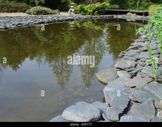 Hadlow stock photos hadlow stock images alamy for Japanese garden pool