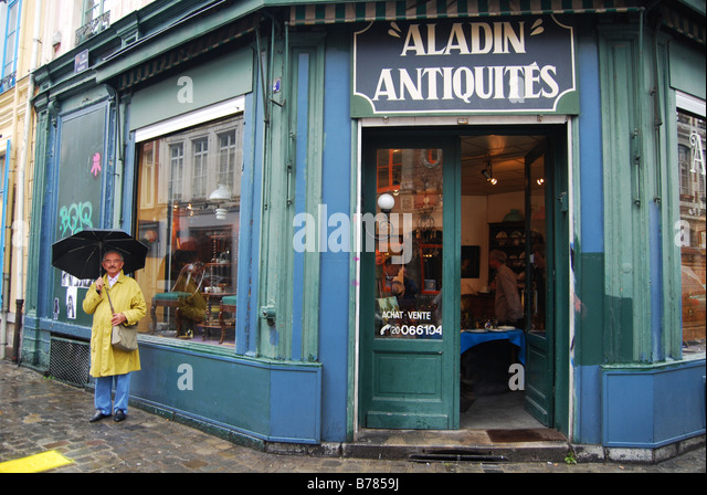 Antique shops in france stock photos antique shops in france stock imag - Boutique vintage lille ...