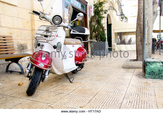house motorcycle stock photos house motorcycle stock images alamy. Black Bedroom Furniture Sets. Home Design Ideas