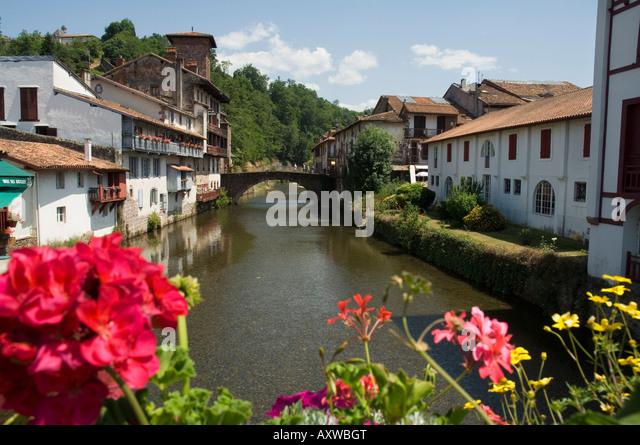 St jean pied de port stock photos st jean pied de port stock images alamy - Hotel des pyrenees st jean pied de port ...