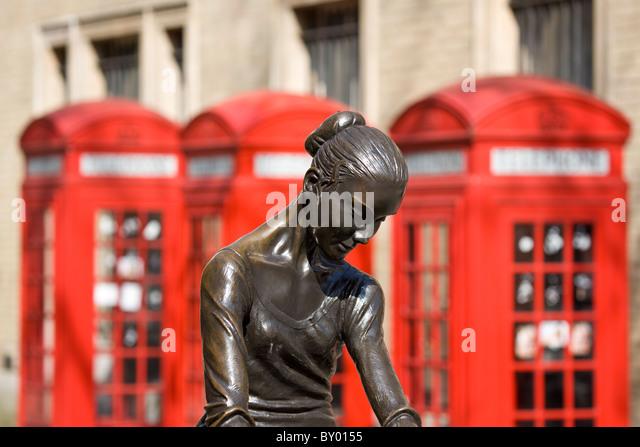 Royal art house of bronze