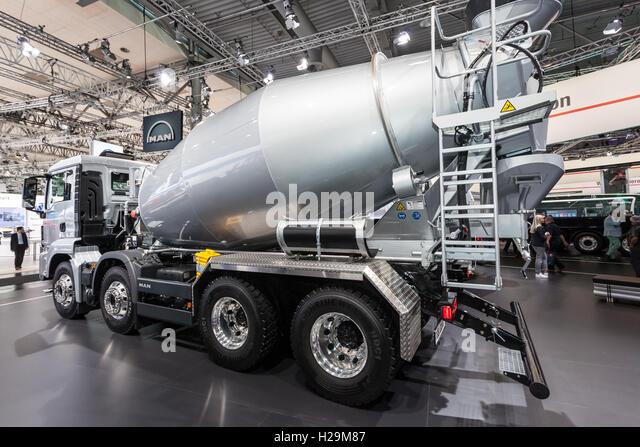 Concrete Mixer Truck Stock Photos Amp Concrete Mixer Truck