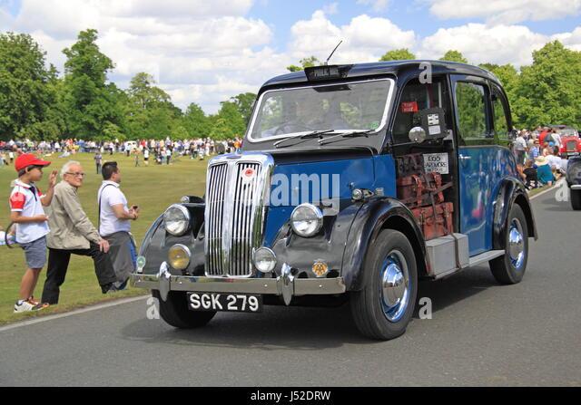 1955 Beardmore Paramount MK7 taxi, Chestnut Sunday, 14th May 2017. Bushy Park, Hampton Court, London, England, Great - Stock Image