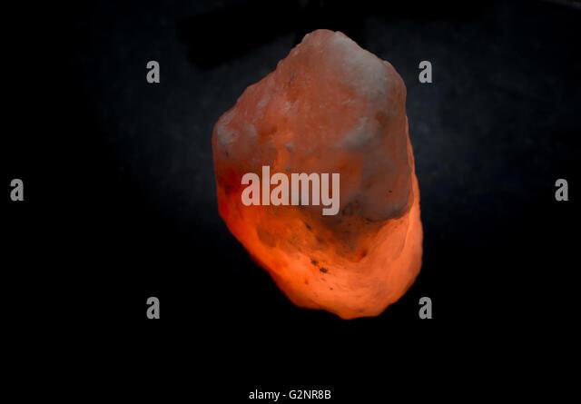 Pink Sea Salt Lamps : Himalayan Salt Lamp Stock Photos & Himalayan Salt Lamp Stock Images - Alamy