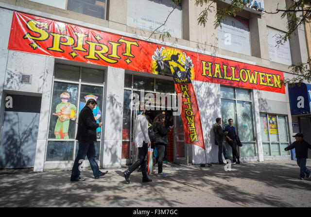 the window of a spirit halloween pop up store in new york entices shoppers with - Halloween Stores Ny