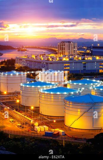 oil-tanks-at-sunset-hongkong-tung-chung-