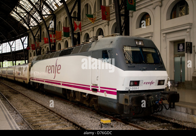 Elipsos stock photos elipsos stock images alamy for Renfe barcelona paris
