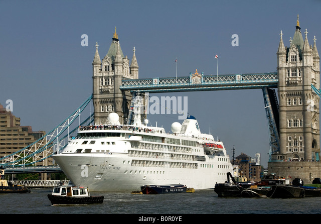 Cruise liner london stock photos cruise liner london for Mississippi wind pool