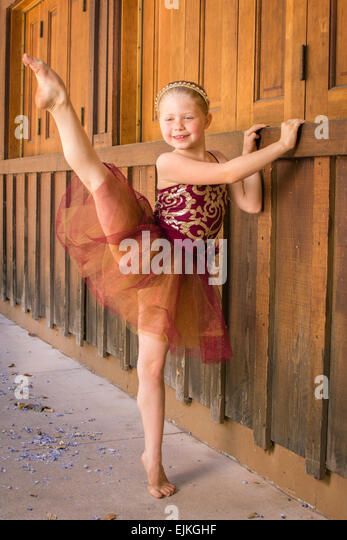 Ballet Bare Stock Photos & Ballet Bare Stock Images - Alamy