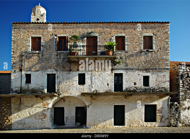 Sumer stock photos sumer stock images alamy for Mediterranean stone houses