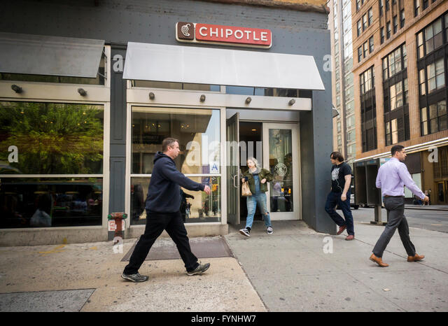 Eating Fast Food Nyc Stock Photos Eating Fast Food Nyc Stock Images Alamy