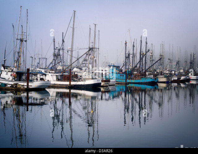 Fishing scenes stock photos fishing scenes stock images for Newport harbor fishing