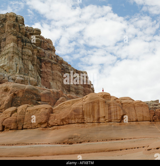 lake powell single women Lake powell is a man-made reservoir on the colorado river, straddling the  border between utah and arizona here you will find area information, maps,.