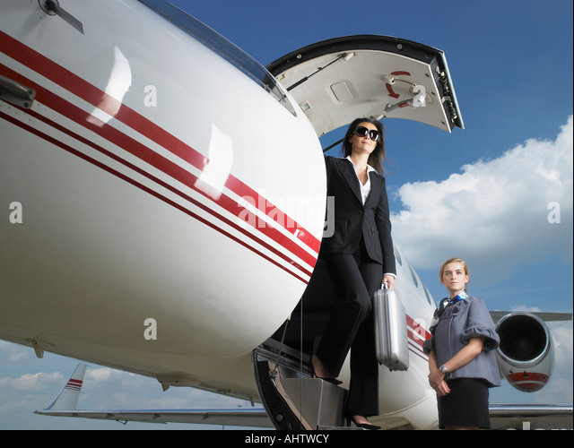 how to become a private flight attendant