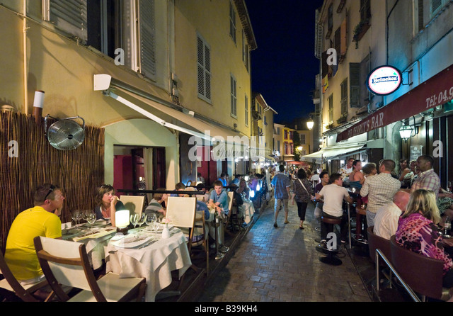 cannes old town stock photos cannes old town stock images alamy. Black Bedroom Furniture Sets. Home Design Ideas