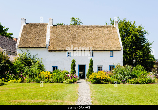 Irish Cottage Garden Stock Photos Amp Irish Cottage Garden