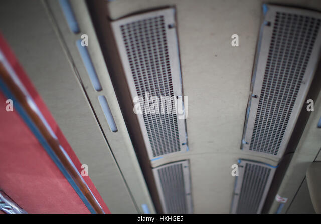 Air vent stock photos air vent stock images alamy for Pare vent interieur decoration