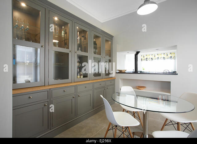 Glass Display Cabinet Stock Photos & Glass Display Cabinet Stock ...