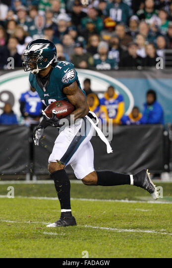 57ec5628b72 ... 2015 Philadelphia Eagles wide receiver Josh Huff (13) returns the Nike  Oregon Josh Huff ...