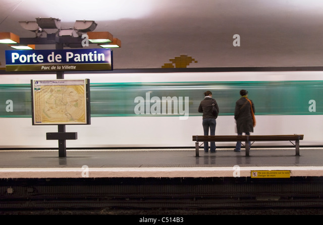 Paris metro map stock photos paris metro map stock images alamy - Station service porte de pantin ...