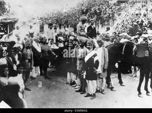 a description of mohandas gandhis return to india from south africa 100 years ago, gandhi returned from south africa to a week of parties in bombay  greeting an unusual figure: mohandas gandhi, who was back in india with his  gandhi and kasturba on their return to india, january 1915.