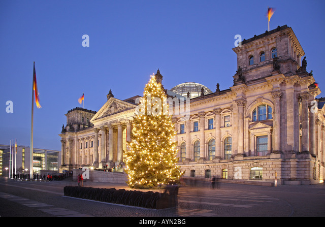 reichstag christmas tree berlin germany stock photos. Black Bedroom Furniture Sets. Home Design Ideas