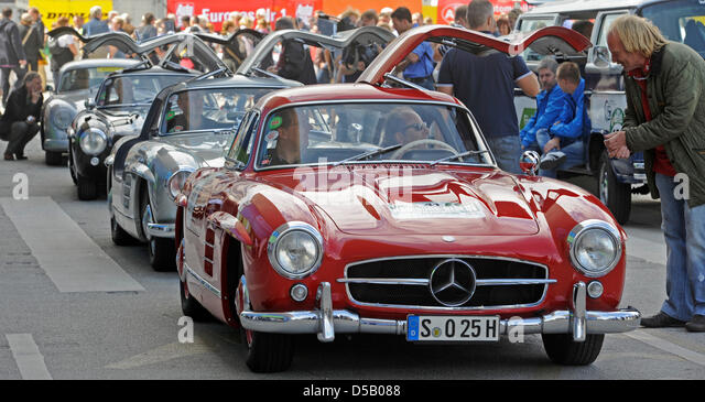 Gull wing doors stock photos gull wing doors stock for Mercedes benz with wing doors