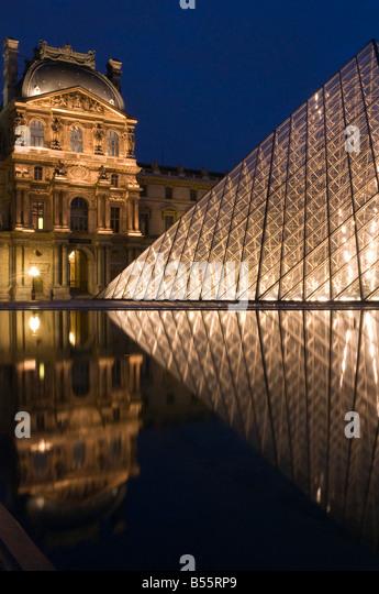 Pyramide du louvre paris france stock photos pyramide du louvre paris f - Pyramide du louvre pei ...