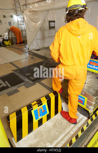 nuclear reactor worker stock photos nuclear reactor worker stock images alamy. Black Bedroom Furniture Sets. Home Design Ideas