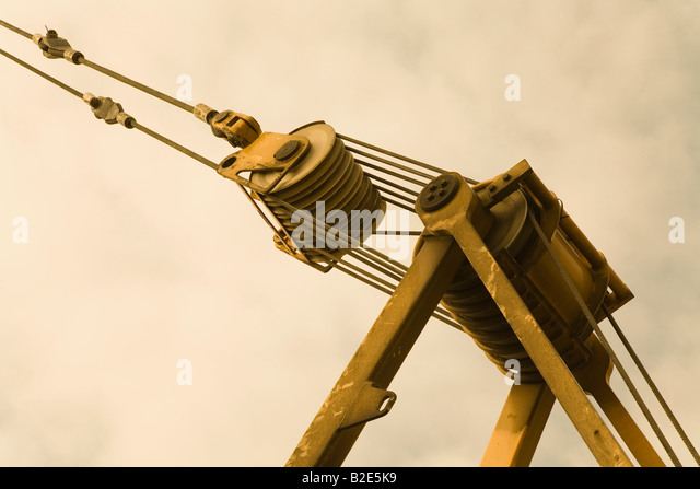 Pulley System To Lift Heavy Objects : Pulley lift stock photos images alamy