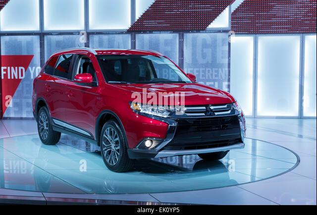 Ny Auto Show Stock Photos Amp Ny Auto Show Stock Images Alamy