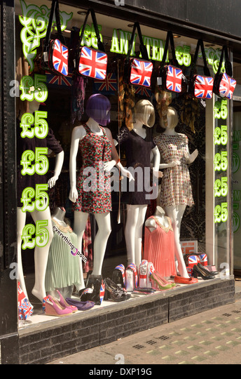 cut price womens clothing shop in notting hill london uk dxp19g everything 5 pounds stock photos & everything 5 pounds stock,Womens Clothing 5 Pounds Uk