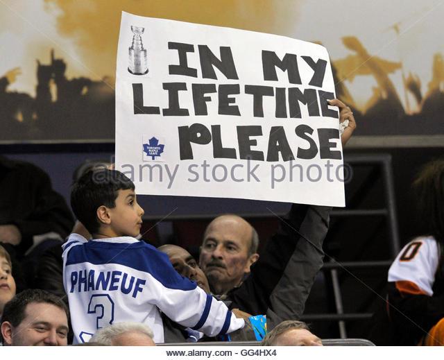 funny hockey signs tyler seguin